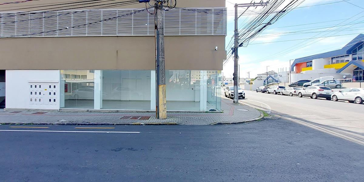Sala Comercial em frente ao Supermercado Angeloni